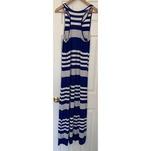 Rolla Coster Dresses - NWT Roller coaster Maxi Dress